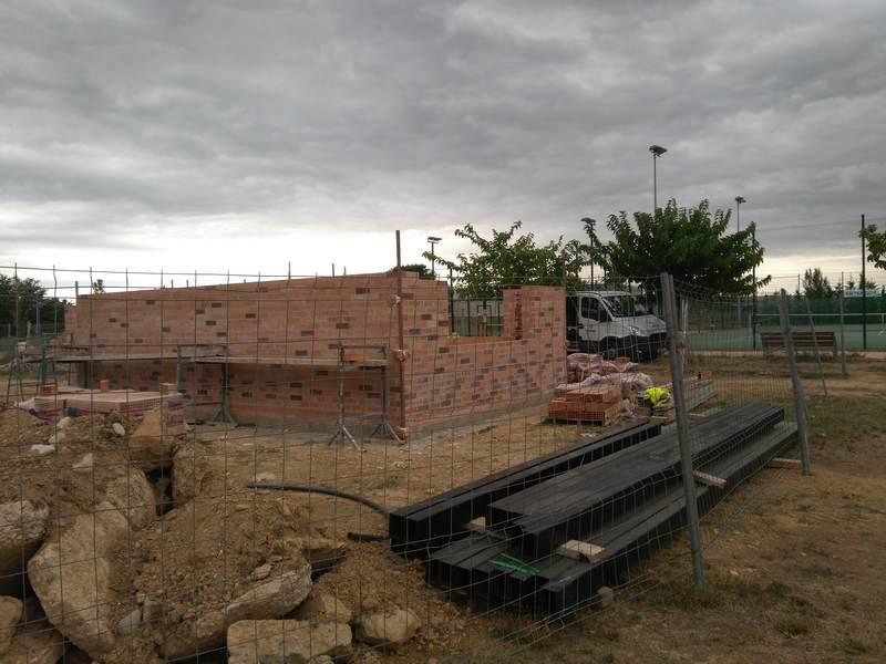 Sanció a la constructora de l'edifici auxiliar de la zona esportiva