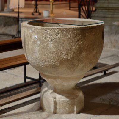 pica d'aigua beneïda del s. XVII